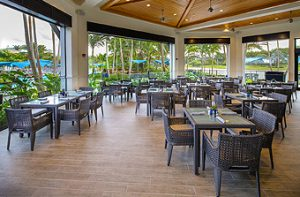 Woodfield Country Club, Poolside Bistro Indoor Dining Bistro